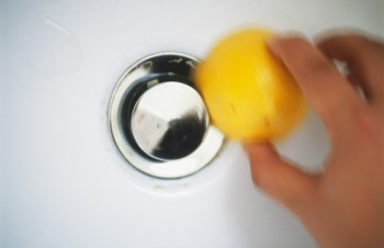 Shower, shower cleaning hacks, popular pin, soap scum, getting rid of soap scum, cleaning tips and tricks.