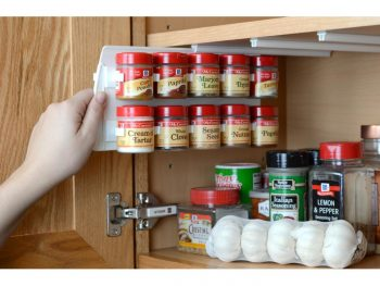 Spice cabinet, how to organize your spice cabinet, kitchen organization, organized kitchen, popular pin, kitchen, dream kitchen.