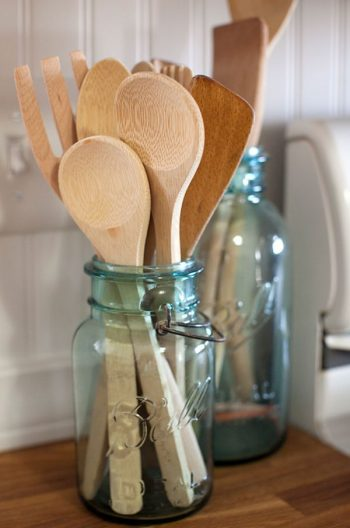 15 Unique Ways to Use Mason Jars (in Your Kitchen)2