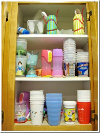 Clean kitchen, kitchen, clutter free kitchen, DIY kitchen organization, popular pin, declutter.