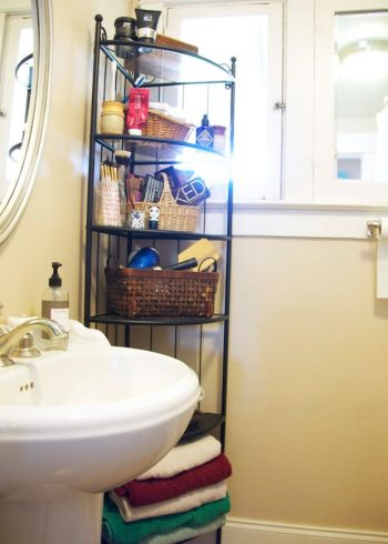 12 Ways to Organize a Bathroom with Too Many Beauty Products4