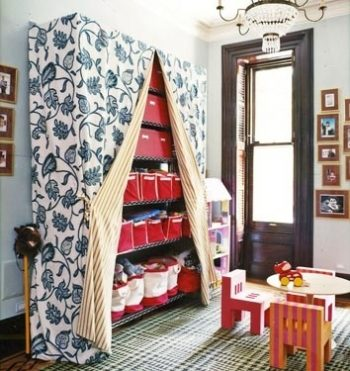 20 Clever Ways to Organize Your Playroom3