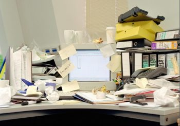 12 Ways to Organize Your Tiny Desk10