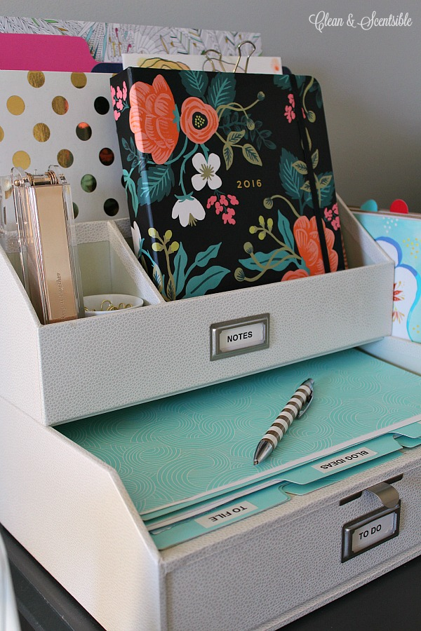 12 ways to organize your tiny desk 101 days of organization - Cute ways to organize your bedroom ...