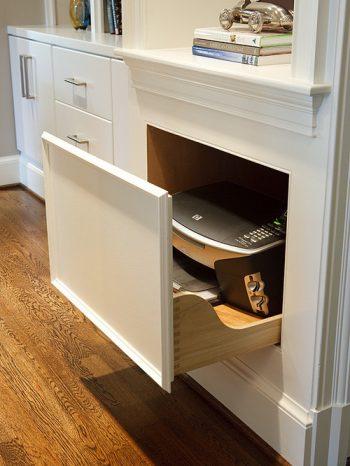 12 Ways to Organize Your Tiny Desk6