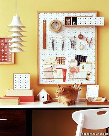 12 Ways to Organize Your Tiny Desk8