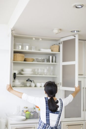 There is nothing worse than having a messy pantry. These pantry organizers will help transform your pantry. Try having baskets in your pantry to keep everything in it's place.