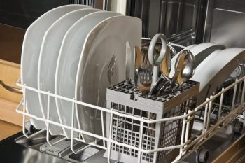 How to Get Rid of Gross Dishwasher Odors - 101 Days of Organization| Cleaning Hacks, Cleaning Tips, Cleaning, Dishwasher, Dishwasher Hacks, Dishwasher Cleaner, Dishwasher Cleaning