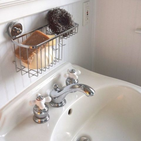 Clean Your Porcelain Sinks--Without Bleach!2
