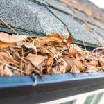 Easily Clean Your Grungy Gutters| How to Clean Your Gutters, Gutter Cleaning Tips and Tricks, Quickly Clean Your Gutters, Yard and Home Maintenance Tips, Home Care Tips and Tricks, Clean Gutters Fast