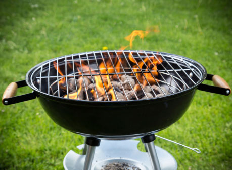 How to Get Your Grill Clean in Time for Dinner  Clean The Grill, How to Clean Your Grill, Quickly Clean Your Grill, Cleaning Tips and Tricks, Cleaning, How to Clean Your Home, Quickly Clean Your Grill, Clean Your Grill In Time for Dinner