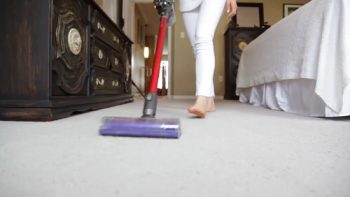 This Easy Hack Cuts Your Vacuuming Time in Half - 101 Days of Organization | Home Hacks, Home Hacks DIY, Cleaning Hacks, Cleaning Tips, Clean Home Hacks