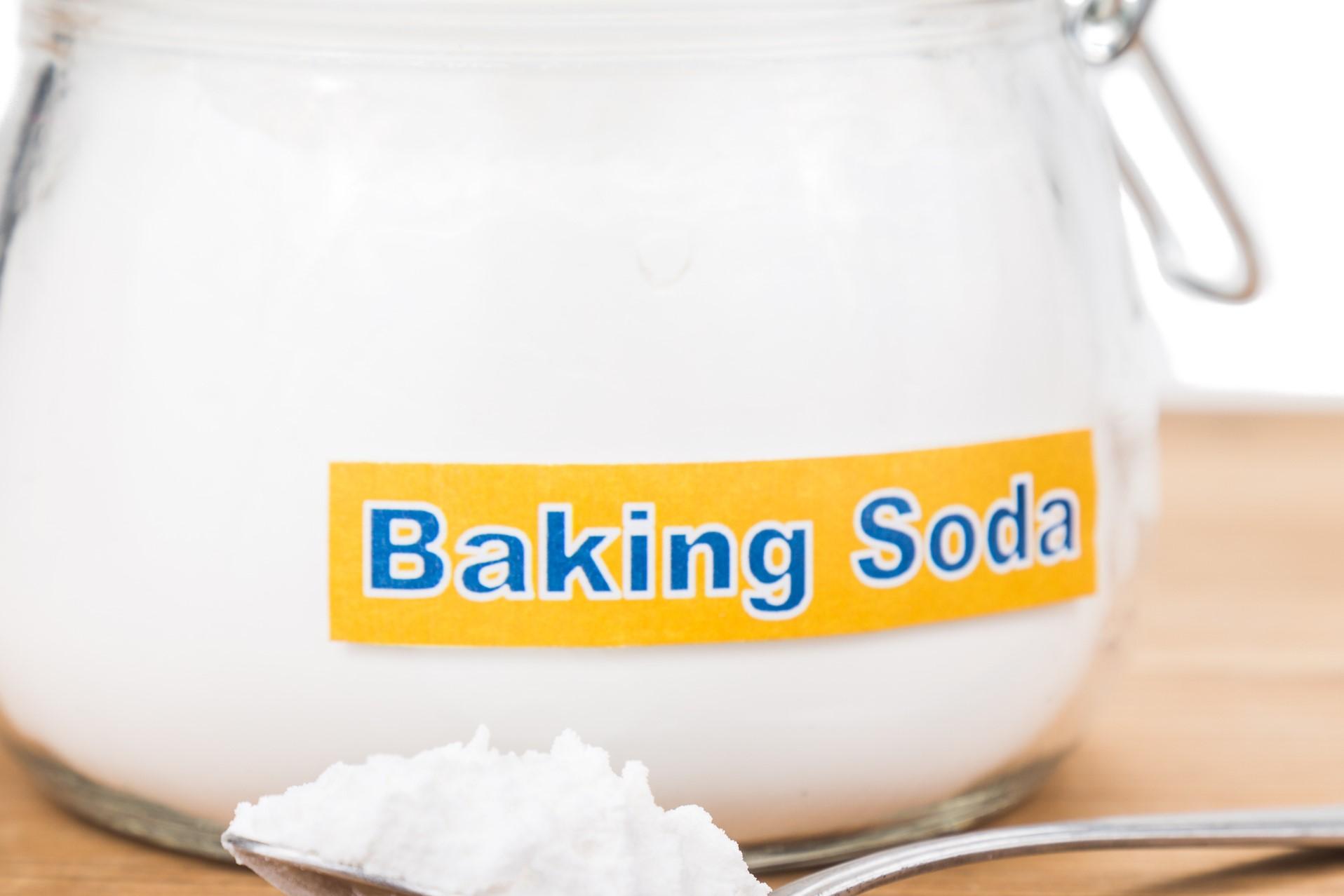 Whiten clothes with baking soda