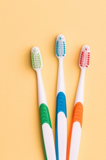 things a toothbrush cleans | toothbrush | cleaning | clean | cleaning hacks | cleaning tips | toothbrush cleaning | tips and tricks | life hacks