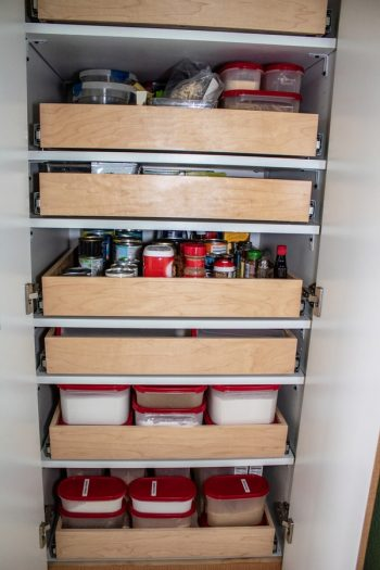 organized pantry | organize | organization | pantry | kitchen | kitchen organization | pantry organization