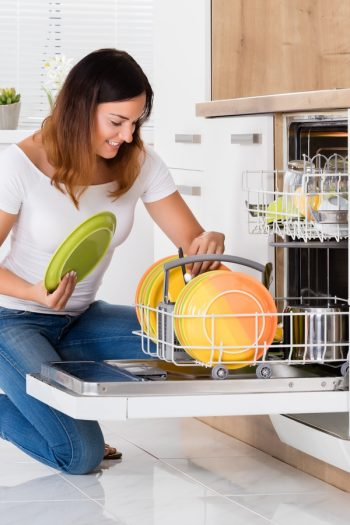dishwasher don'ts | dishwasher | dishwasher tips | don't put these in the dishwasher | dishwasher hacks | things to not put in the dishwasher | dishwasher safe