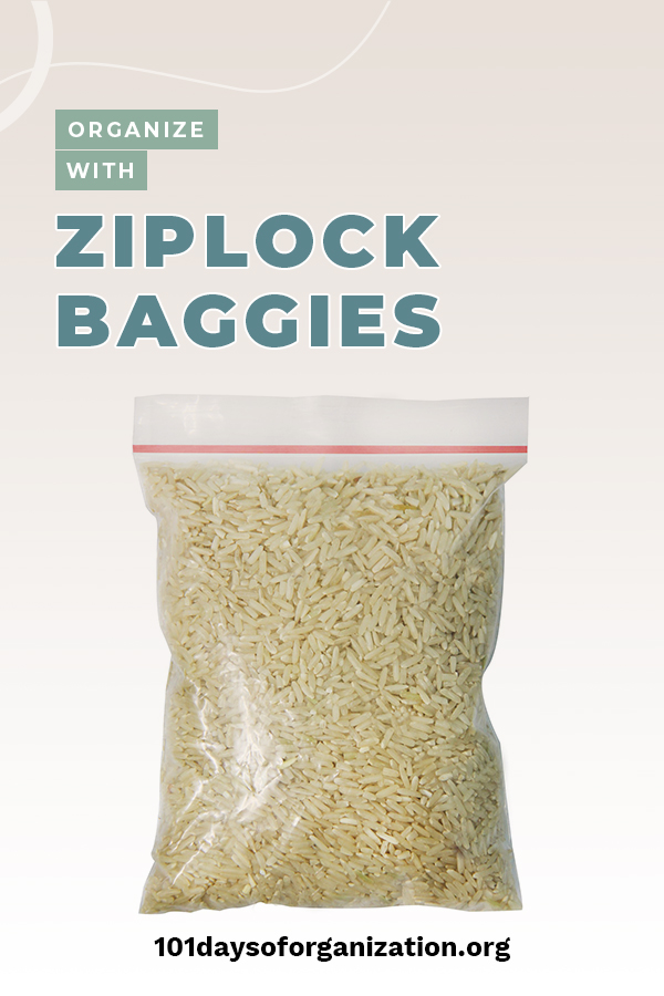 Gone are the days of ziploc bags being just for sandwiches. Those days are a thing of the past. Ziplock bags are incredibly useful around the house. Keep reading to learn how these bags can step out of the kitchen and into other rooms to help you get organized. You'll never look at ziploc bags the same way again. #ziplocbaggies #ziplocbagorganizingideas #organizationtip