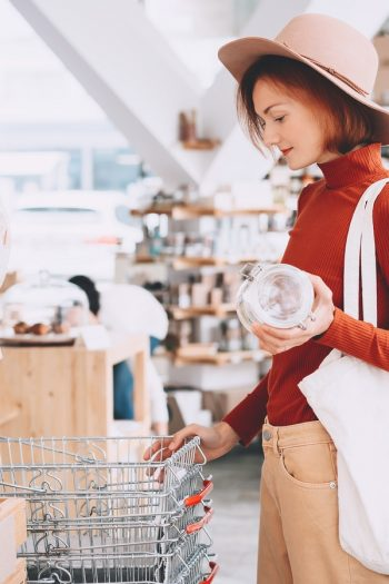 A low-waste lifestyle is just like it sounds--low-waste. It all centers on the environment. These low-waste lifestyle tips are easy to do but will make a huge difference!
