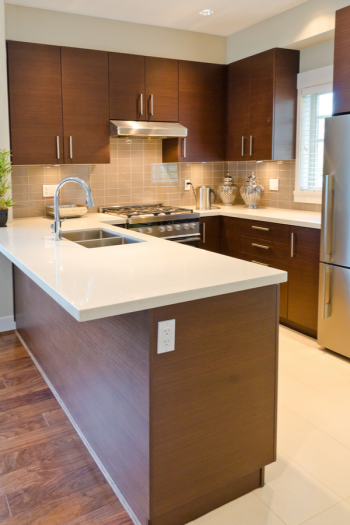 Looking for the best clutter tips to help you take control of the paper, kitchen or whole-home clutter you're dealing with? We've got the answers you need! Your kitchen counters will have so much more room!