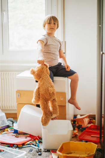 Looking for the best clutter tips to help you take control of the paper, kitchen or whole-home clutter you're dealing with? We've got the answers you need! Your kids room will no longer be a problem!