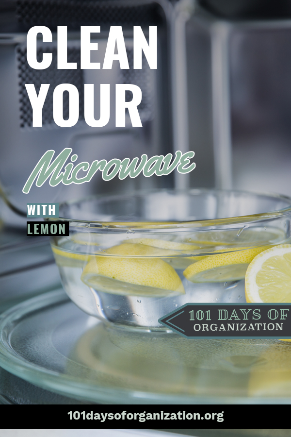 Clean the microwave in just minutes, with the power of lemon. Even a microwave with lingering nasty smells {like burned popcorn!} is clean and fresh after you clean it with lemon. #101daysoforganizationblog #cleanthemicrowavewithlemon