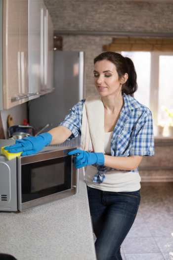 Clean the microwave with lemon and have the clean interior you want in no time! Lemon, heat, and steam make it easier to clean your microwave. You can thank me later!
