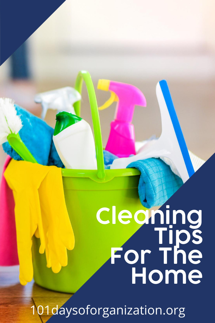 I sometimes feel like I am going to lose my mind when my house is dirty? Do you ever feel that way? It drives me crazy. Once I learned some of these home cleaning tips, I haven't had any meltdowns (LOL). Keep reading to learn how I keep sane. #homecleaningtips #101daysoforganizationblog #cleaningtips