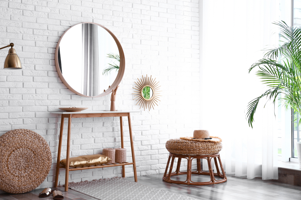 how to make a small room look bigger using mirrors